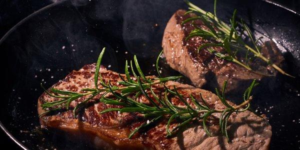 Bistecca di manzo al rosmarino