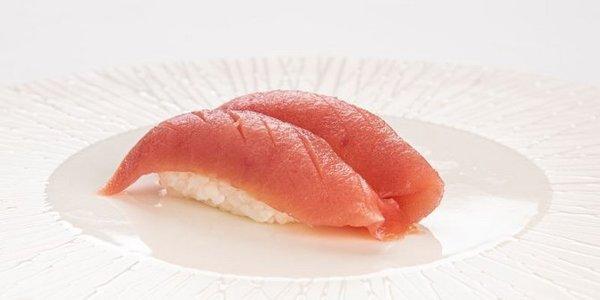 N3. Nigiri Maguro (tonno)