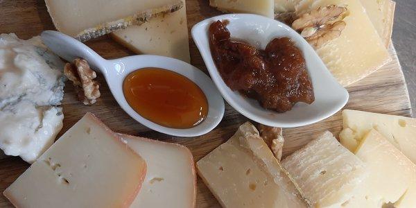 Tagliere di formaggi nostrani