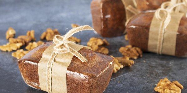 Banana dates & walnut cake - كيكة الموزمع التمر والجوز