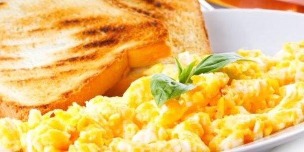 Uova colazione: occhio di bue/strapazzate...