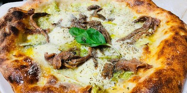 Scarola (Calzone oder klassische runde Pizza)