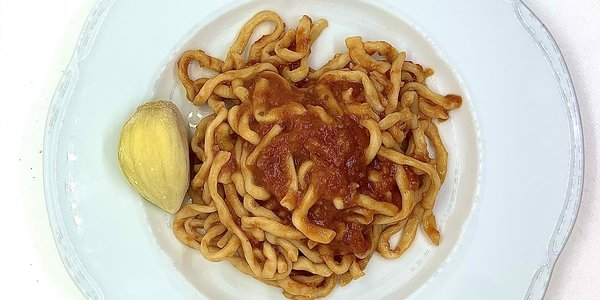 Pici all'aglione della val di chiana
