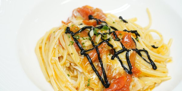 LINGUINE  WITH GURNARD AND CUTTLEFISH INK RICOTTA