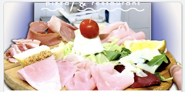 SELECTION OF COLD CUTS AND CHEESES WITH BRUSCHETTE