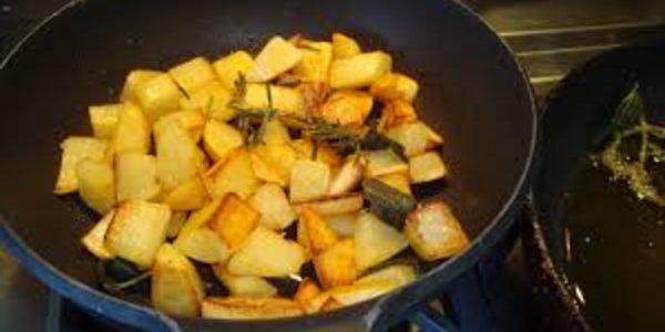Patate al forno risaltate al burro della Latteria Di Crodo