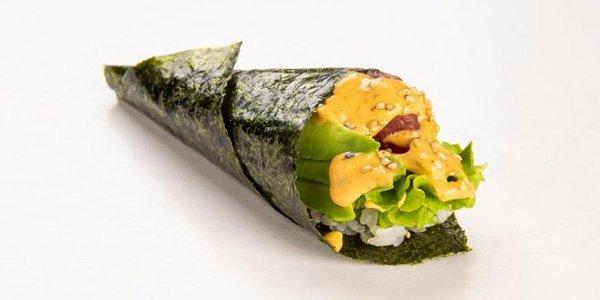 T7. Temaki Spicy Tuna